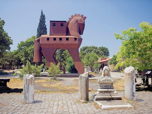 <土耳其经典7晚10日>双点进出 以佛所古城 棉花堡 特洛伊古遗址 卡帕多奇亚
